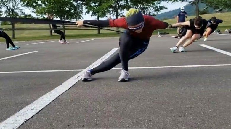 スピードスケートシーズン到来 徹底した感染防止対策&コーチ不在を乗り越えて