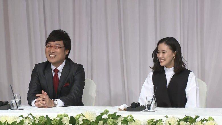 【速報】蒼井優・山里亮太 結婚会見 ボクサー姿のしずちゃん乱入