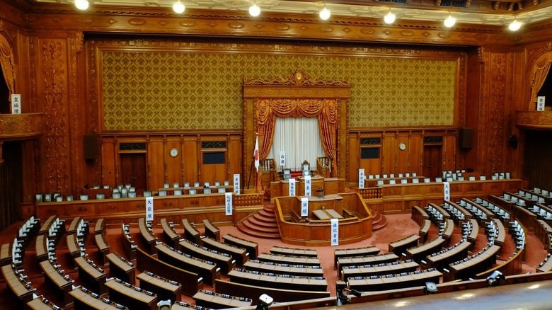 """史上初!日本の国会がイギリス議会からリモートで学ぶ。""""新しい国会様式""""模索へ"""
