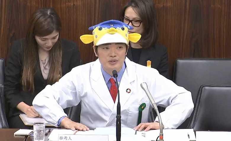 """""""帽子NG""""の国会に登場した「さかなクン」 あのトレードマークは、なぜOKになったのか?"""
