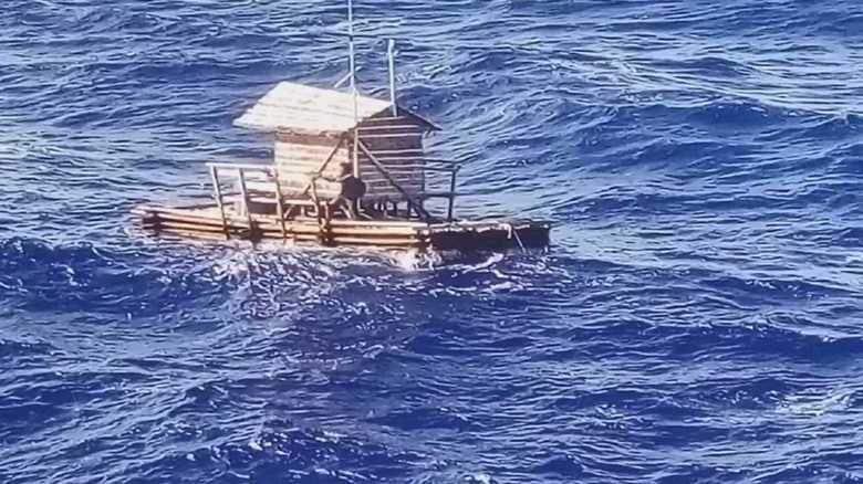49日ぶりの生還! 国籍不明の漂流者を「助ける」勇気と「生きる」勇気