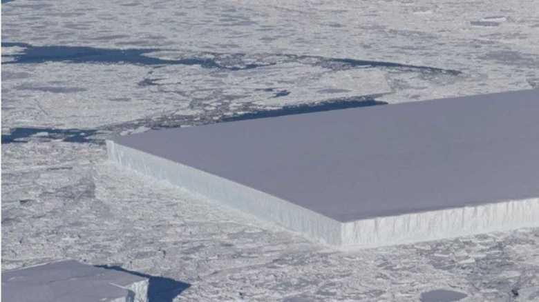 """南極に「巨大な氷のテーブル」が出現!""""人工物""""か""""自然現象""""か?専門家に聞いた"""