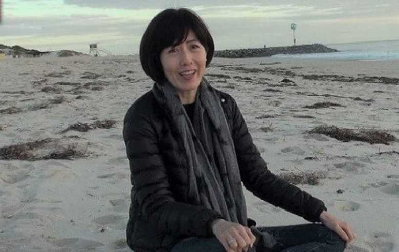 """オーストラリアに一家で移住も夫は""""主夫""""に…小島慶子が明かす""""孤独な闘い"""""""