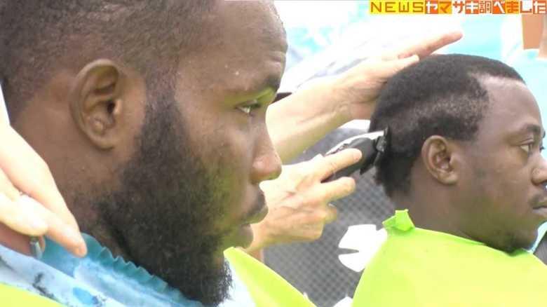 アフリカ系外国人が続々来店…一体なぜ? 相模原の小さな理髪店のスゴ技に密着