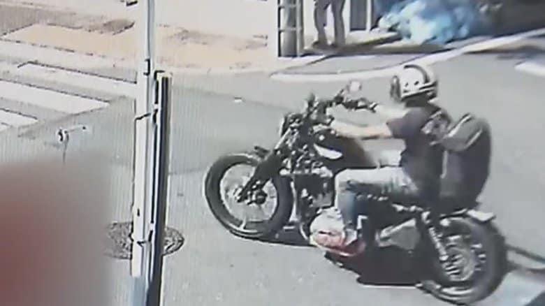 大型バイクがフラフラ蛇行走行…カメラは捉えていた  山口達也容疑者  追突事故直前の映像