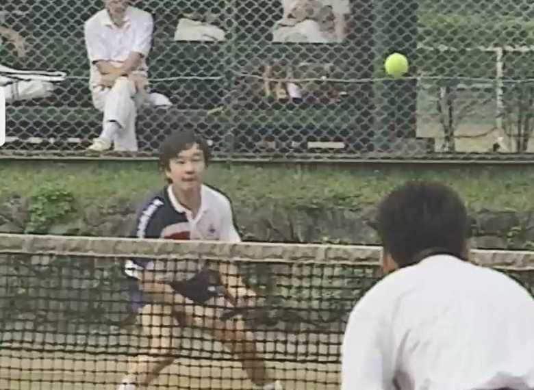 「運動神経が良くスマッシュをお打ちに」皇后雅子さまのテニススタイル