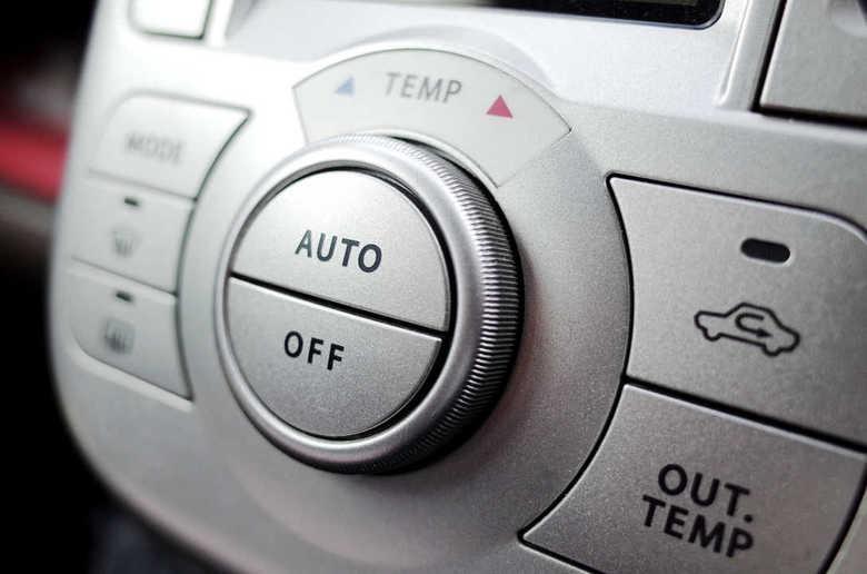 運転中のエアコンは「内気循環」と「外気導入」どっちがいい? ドライバーの疑問をJAFが初の検証