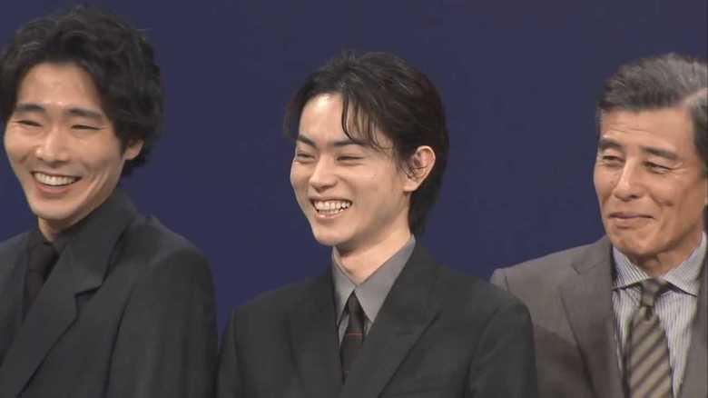 「顔もスタイルも芝居も良い!」菅田将暉 共演者のベタ褒めに「すごいな俺」