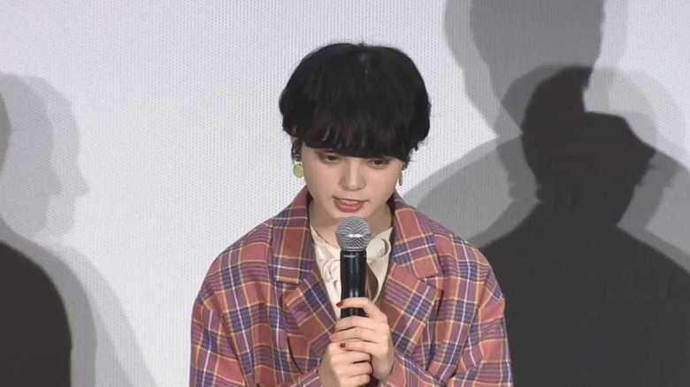 欅坂46 平手友梨奈にサプライズで卒業証書「すごくいい経験をさせていただいた」