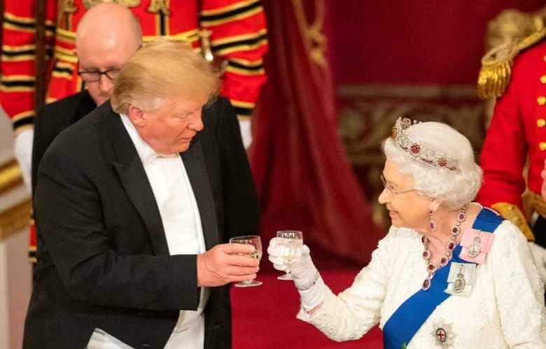 """日英でこんなにも違う""""国賓""""としてのトランプ メラニア夫人の帽子はヘルメット?"""