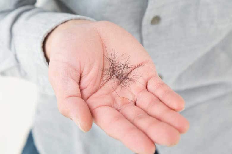 """抗がん剤治療に伴う""""脱毛""""を抑える医療機器が初承認。その仕組みは意外と「目からウロコ」だった"""