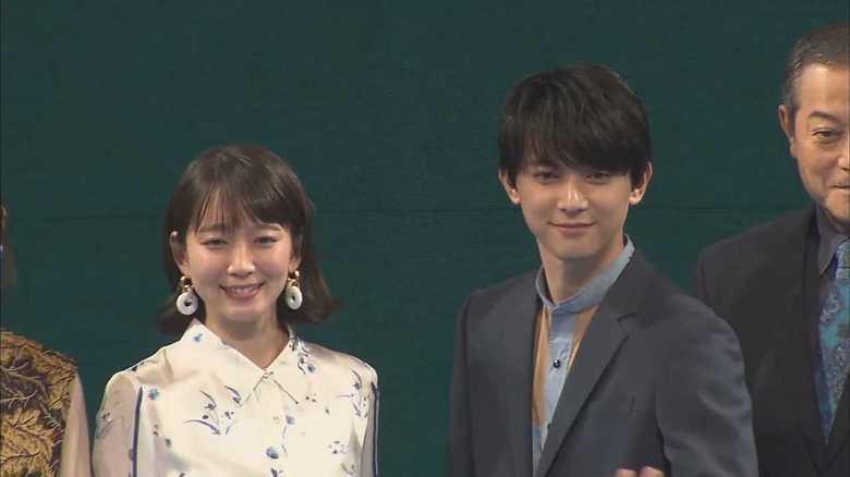 主題歌と知らずに歌唱シーンも…吉沢亮と吉岡里帆「ドラマチックな再会」告白