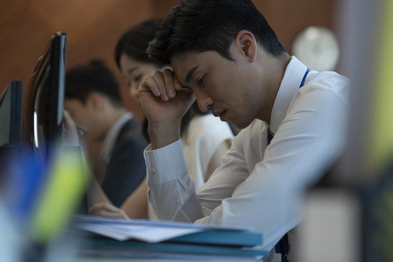 「コロナ禍で仕事のストレスが増えた」は5割超…一方で減った職種に特徴も。要因と解消法を聞いた