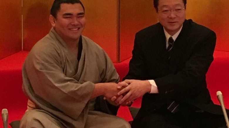 強いぞ、相撲界最小、最軽量級力士!