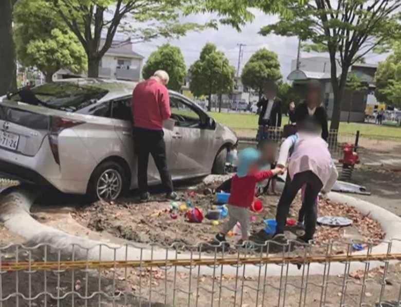 【独自】「運転に自信あった」園児遊ぶ公園に突っ込んだ男性が明かした運転歴