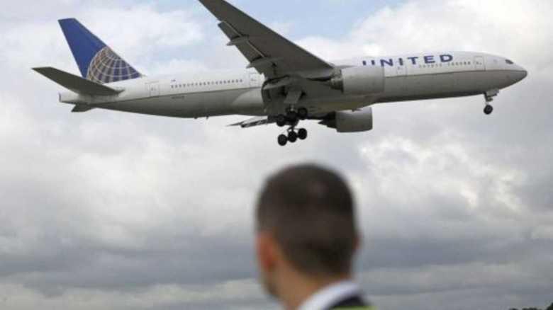 """ユナイテッド航空""""引きずり降ろし""""事件、最新情報。批判の矛先はメディア報道に。"""