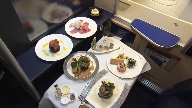 地上でファーストクラス…全日空の期間限定「機内食レストラン」で空の気分を味わう