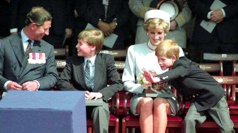 """「毎日、母がそばにいてくれたら...」ダイアナ妃像の除幕式では叶わなかった兄弟の""""和解"""" 9月には大規模追悼パーティーを予定"""