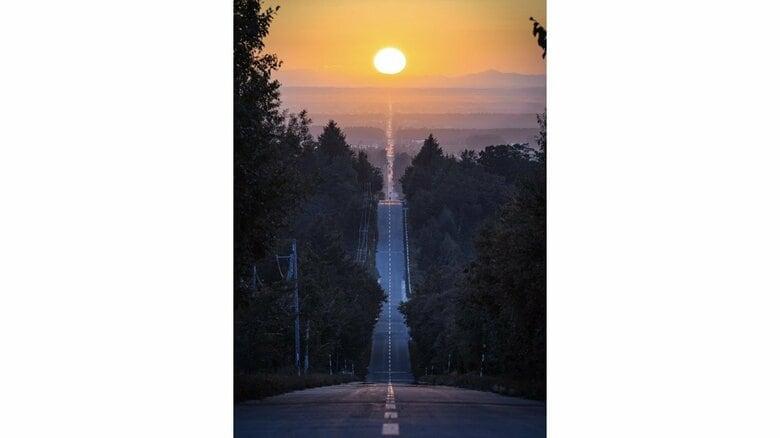 北海道「天に続く道」の先にある夕日が幻想的…約6時間待った絶景写真の撮り方を聞いてみた