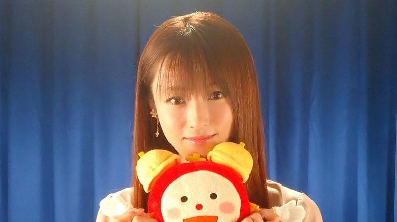 """「わたし、泥棒を卒業します!」深田恭子のセクシースーツもついに見納め? 「劇場版 ルパンの娘」クランクアップで""""卒業""""宣言"""